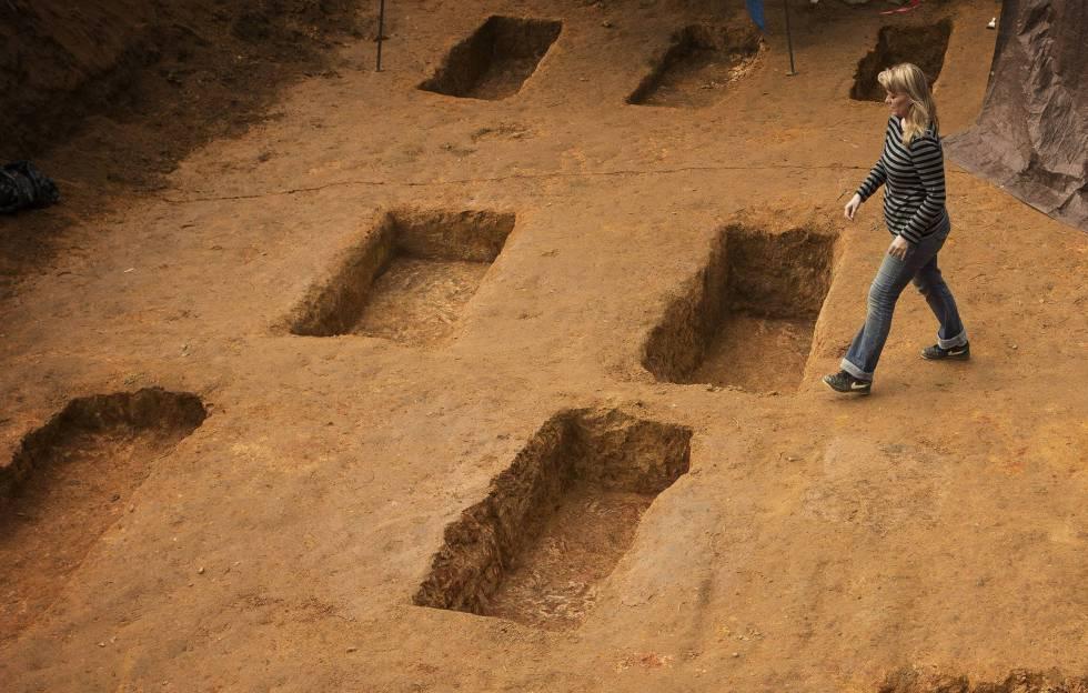 La antropóloga Erin Kimmerle en el cementerio del centro, en una imagen de archivo.