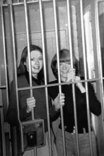 Marian and Dolours in jail (Belfast Exposed Archive).