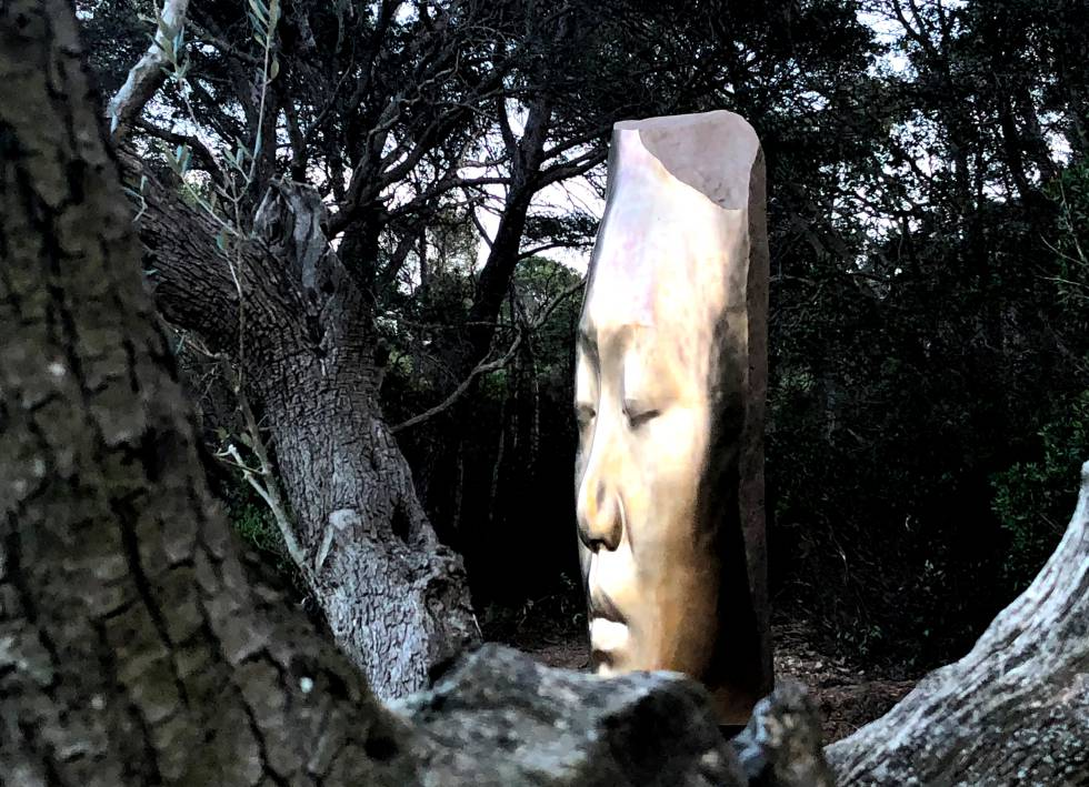 One of the heads of the work 'The three alchemists' (2018), at the Fondation Carmignac, Porquerolles, in France.