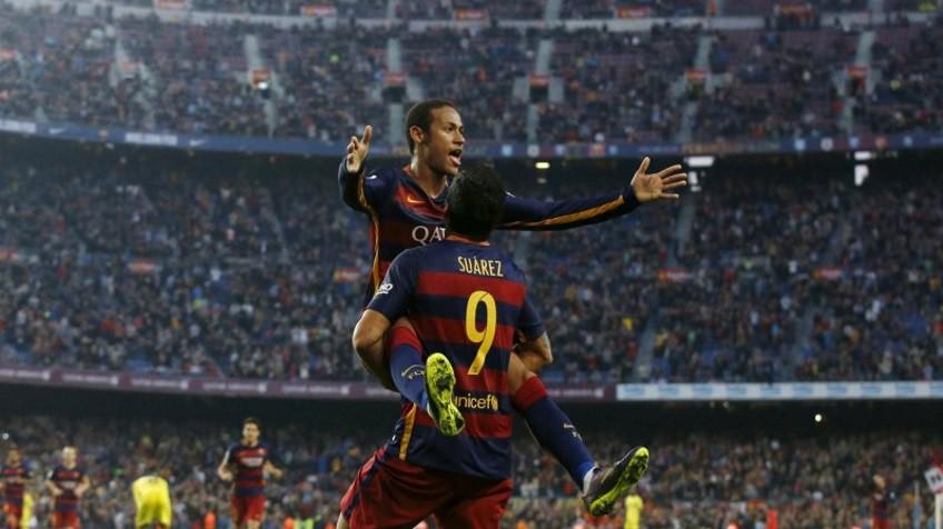 Neymar celebra um gol com Luis Suárez. / Foto: REUTERS/ Vídeo: ATLAS
