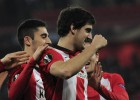 El Athletic desluce su protocolo