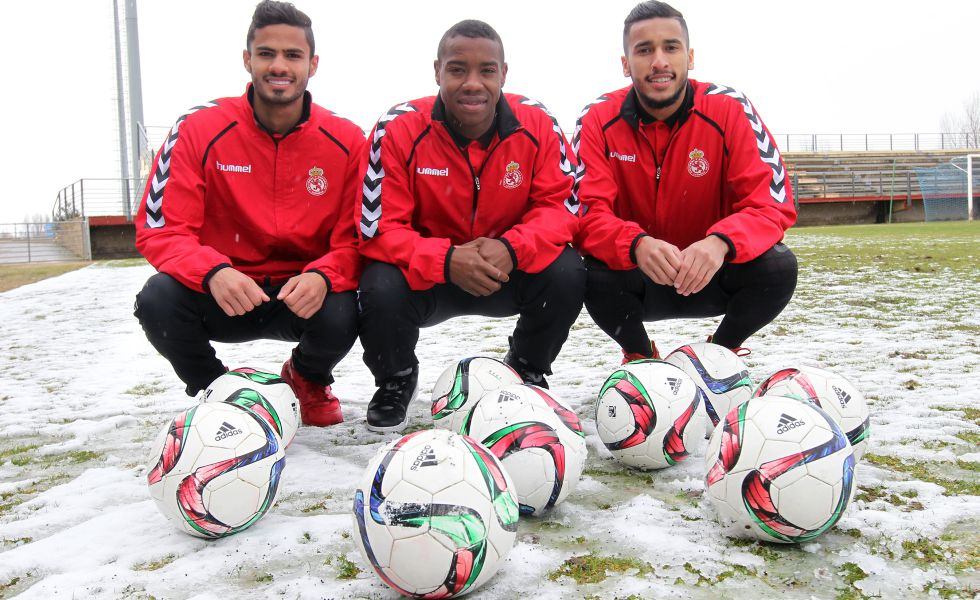 Tameen, Madibo y Sultan, jugadores de la Cultural Leonesa y de la selección sub-23 de Qatar.