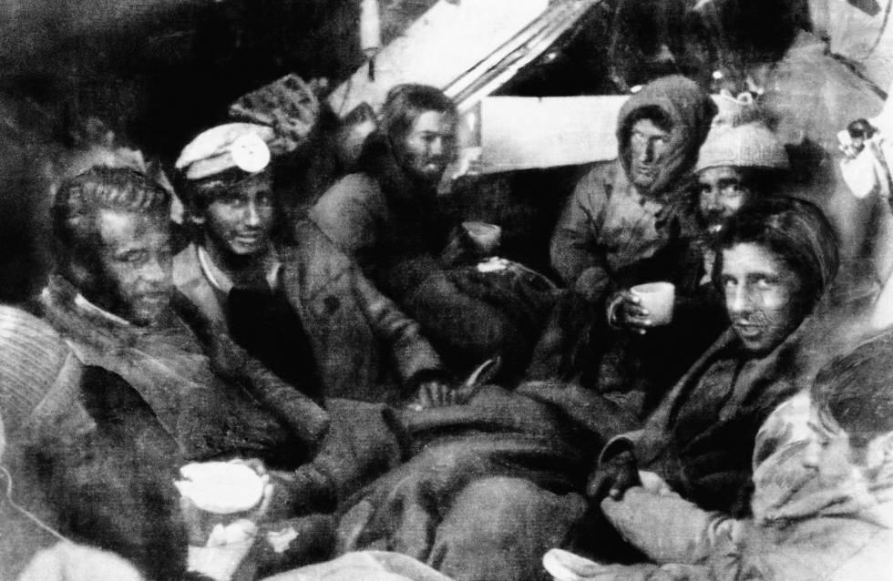 Los supervivientes del accidente de Los Andes de 1972.