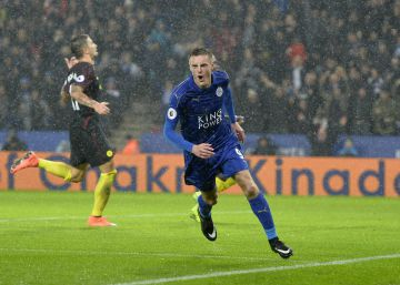 Vardy destroza al City