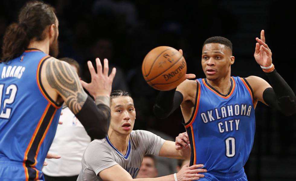 Westbrook, con Lin y Adams.