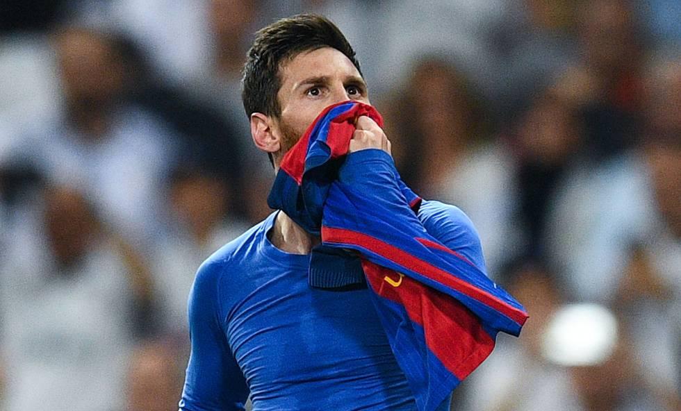 Messi discute la carga simbólica del Madrid y pone en valor la del Barça  cuando tiende su camiseta en el Bernabéu 5031863a1cc