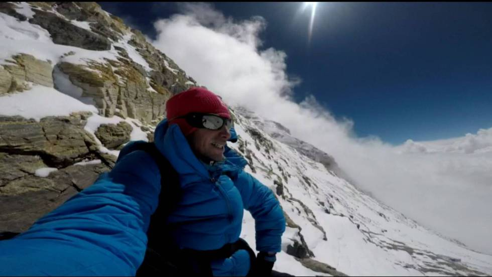 Kilian Jornet sube el Everest en 26 horas