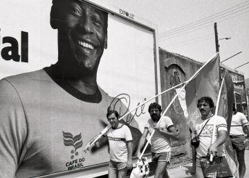 Aficionados brasileños en Barcelona, en 1982.