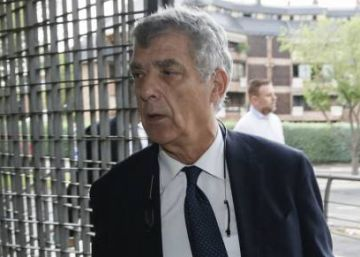 Head of Spanish soccer federation arrested on corruption charges
