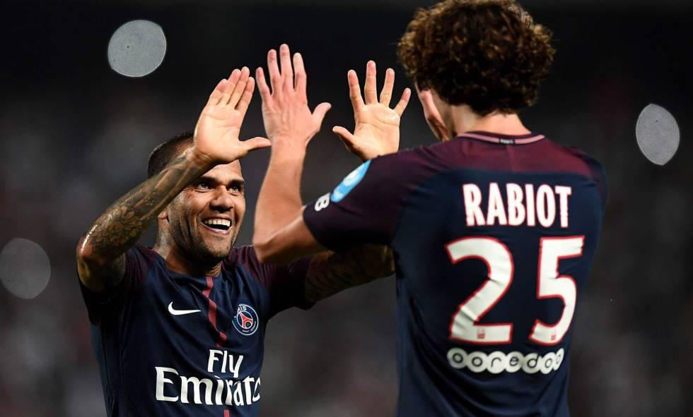 Resultado de imagen para Alves en París Saint Germain ante el Mónaco 2017