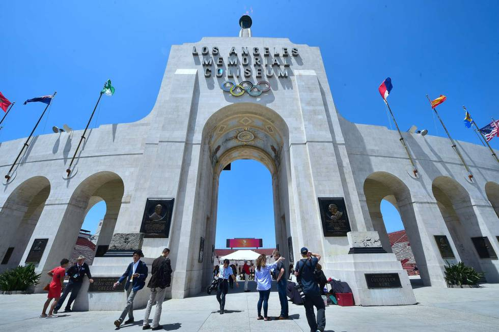 La puerta del estadio Los Angeles Memorial Coliseum.