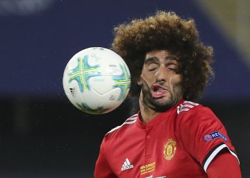La foto del accidentado partido de Fellaini