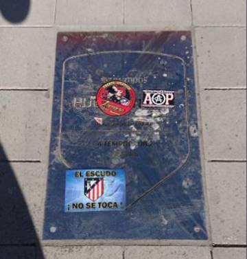 La placa de Hugo Sánchez en el Wanda Metropolitano.