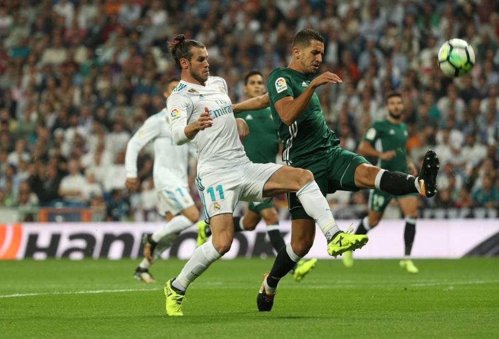 1763184f1 El Betis sorprende al Real Madrid y gana en el Bernabéu con un gol en el  descuento