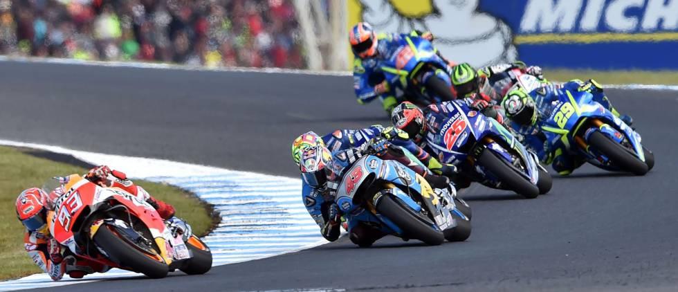 Márquez, al frente de un grupo de pilotos.