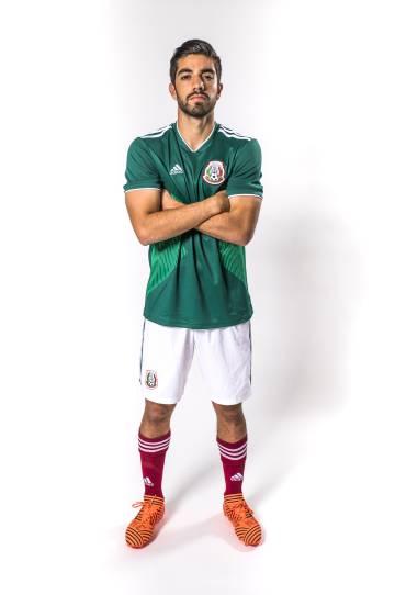 48fa250e8da46 La selección de México presenta el uniforme que usará en el Mundial ...