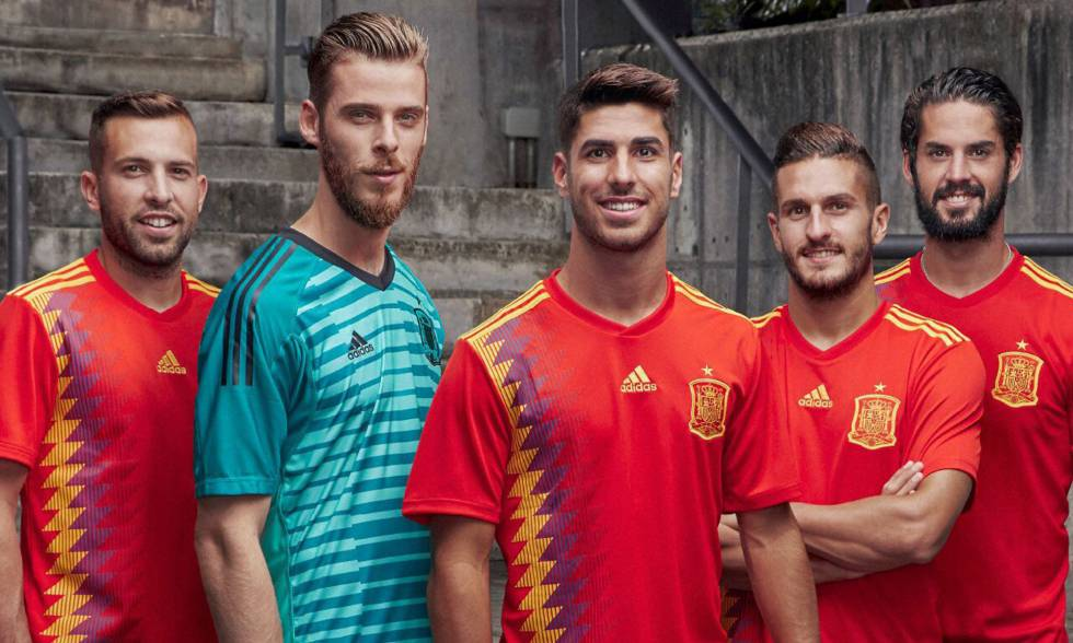 Spain football kit  Color controversy delays unveiling of Spain s ... f2e5cdf3f7c