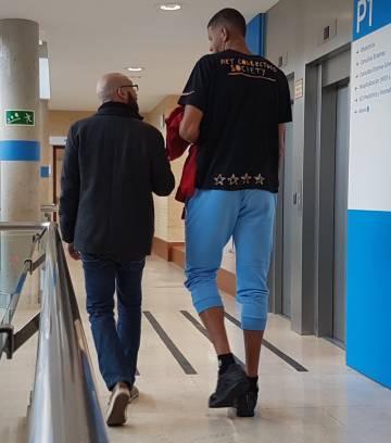 Tavares durante el reconocimiento médico