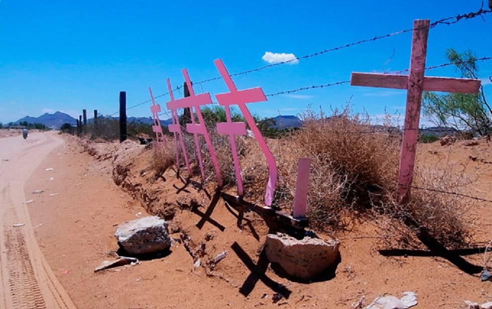 Las cruces rosas significan cada uno de los feminicidios en Ciudad Juárez.
