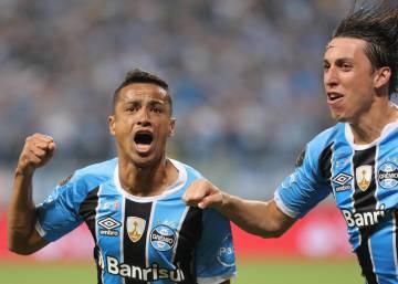 1d0ddc0c71 Grêmio vence o Lanús e sai em vantagem na final da Libertadores