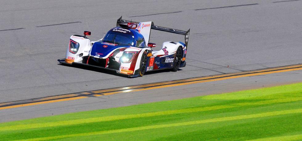 Fernando Alonso tira millas en Daytona   Deportes   EL PAÍS