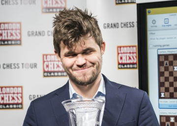 Carlsen gana a trompicones el Grand Chess Tour