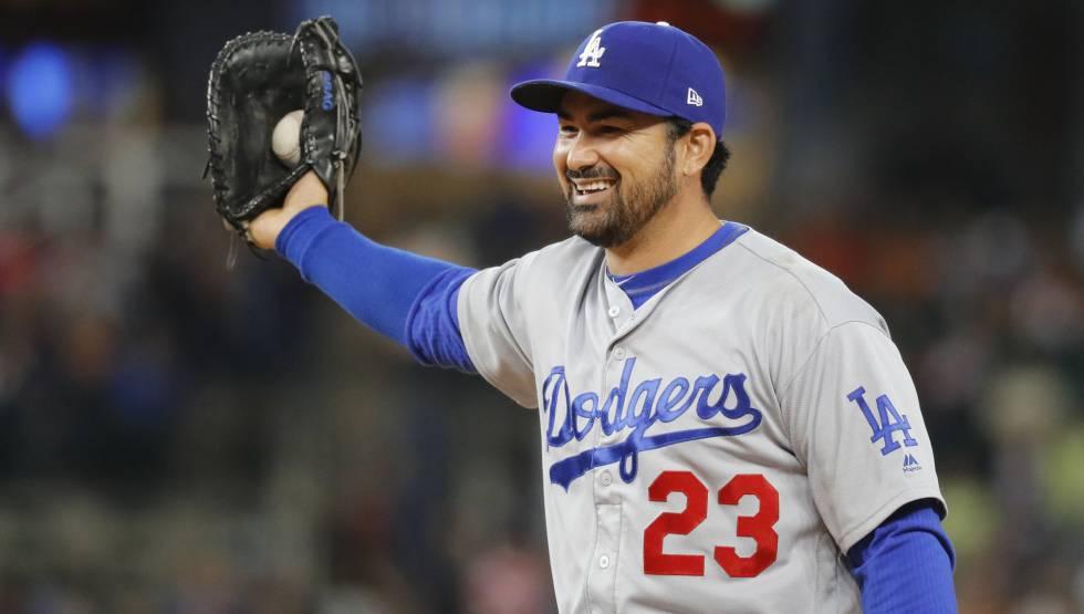 d13a4a6378a24 El beisbolista mexicano Adrián González es contratado por los Mets de Nueva  York