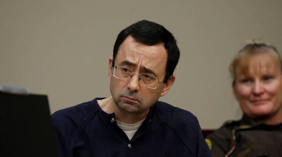 Larry Nassar este lunes en su juicio.