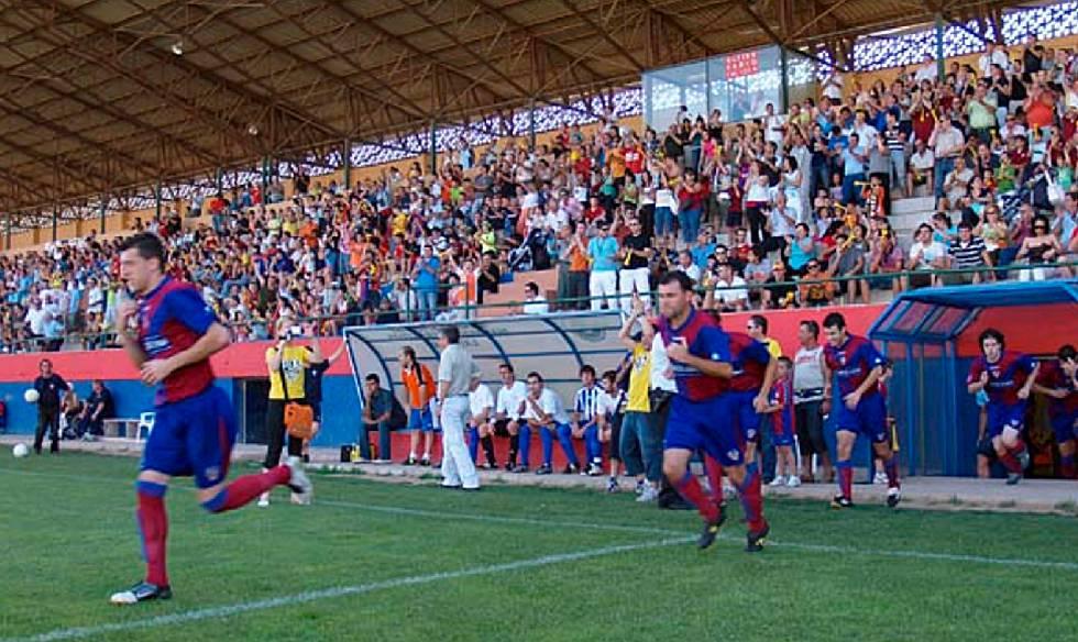 Muere un joven de 15 a os en valencia mientras jugaba un - Campo de futbol del valencia ...
