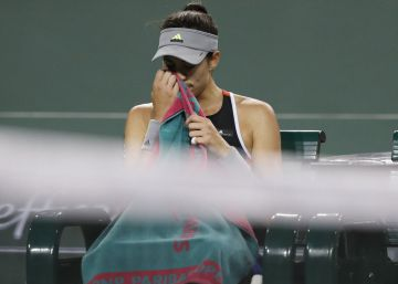 Muguruza pierde el control y cae en Indian Wells