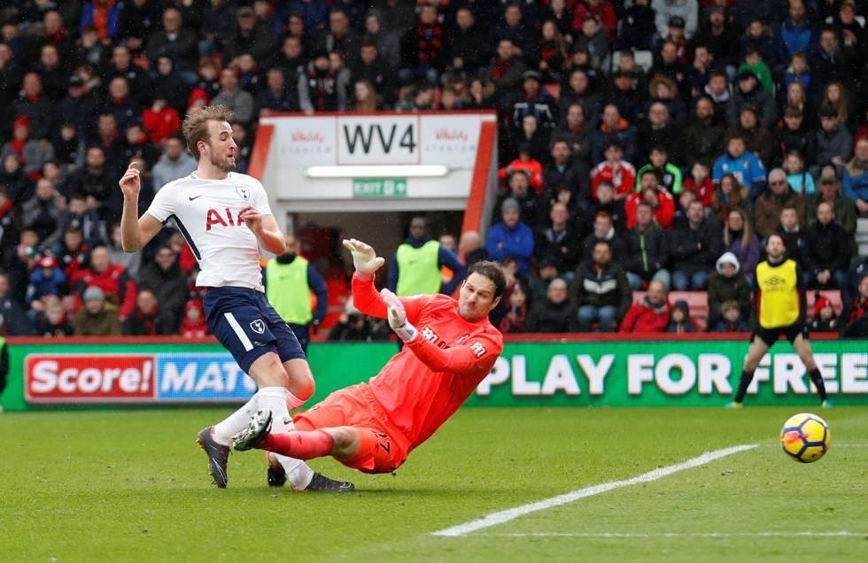 Instante de la lesión de Harry Kane ante el Bournemouth.