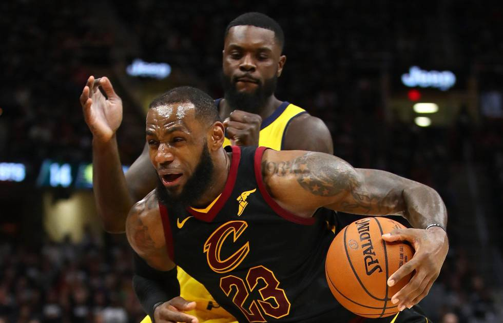 LeBron James supera a Stephenson.rn