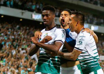 Santos Laguna se subleva frente al Toluca (2-1) 62f38f67d1df3