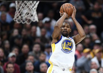 Kevin Durant deixa LeBron James à beira do nocaute