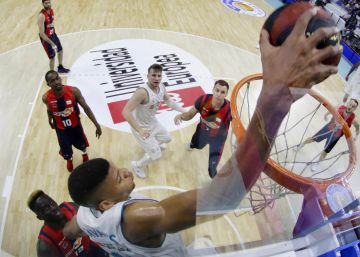 El Real Madrid reacciona e iguala la final ante el Baskonia