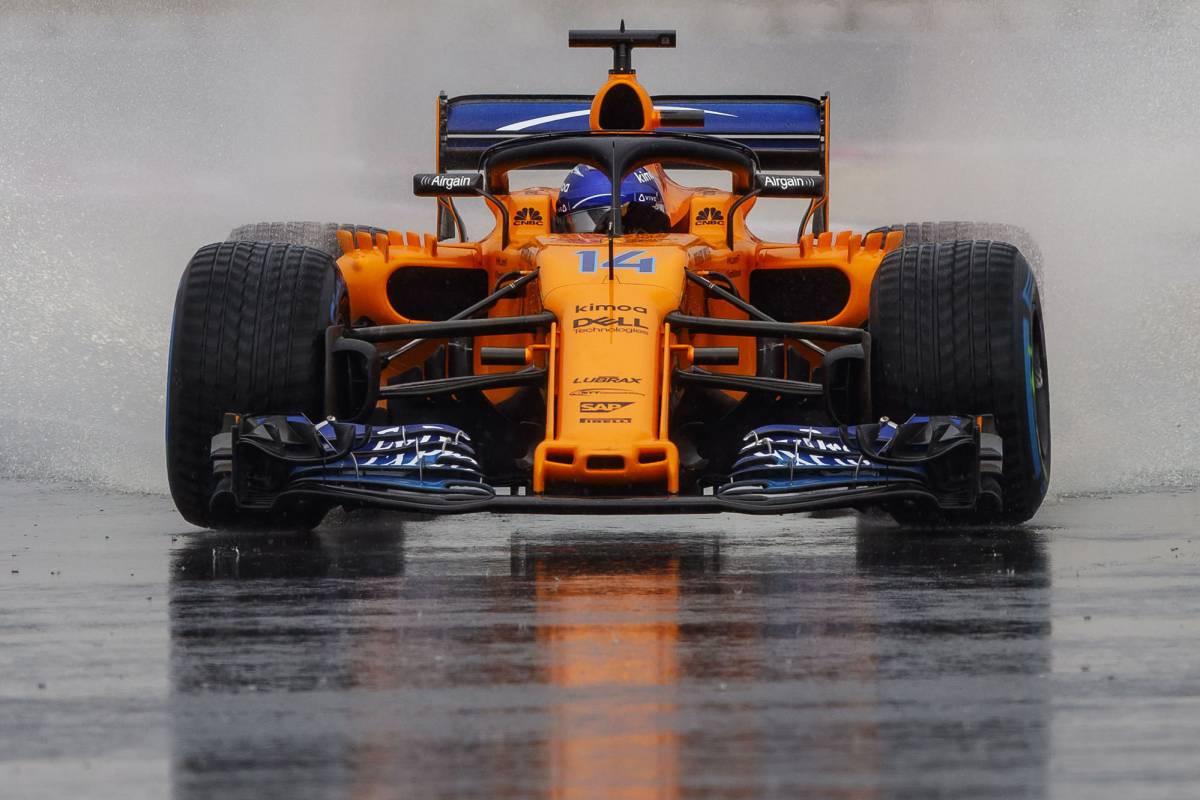 Fernando Alonso con su McLaren en el GP de Francia