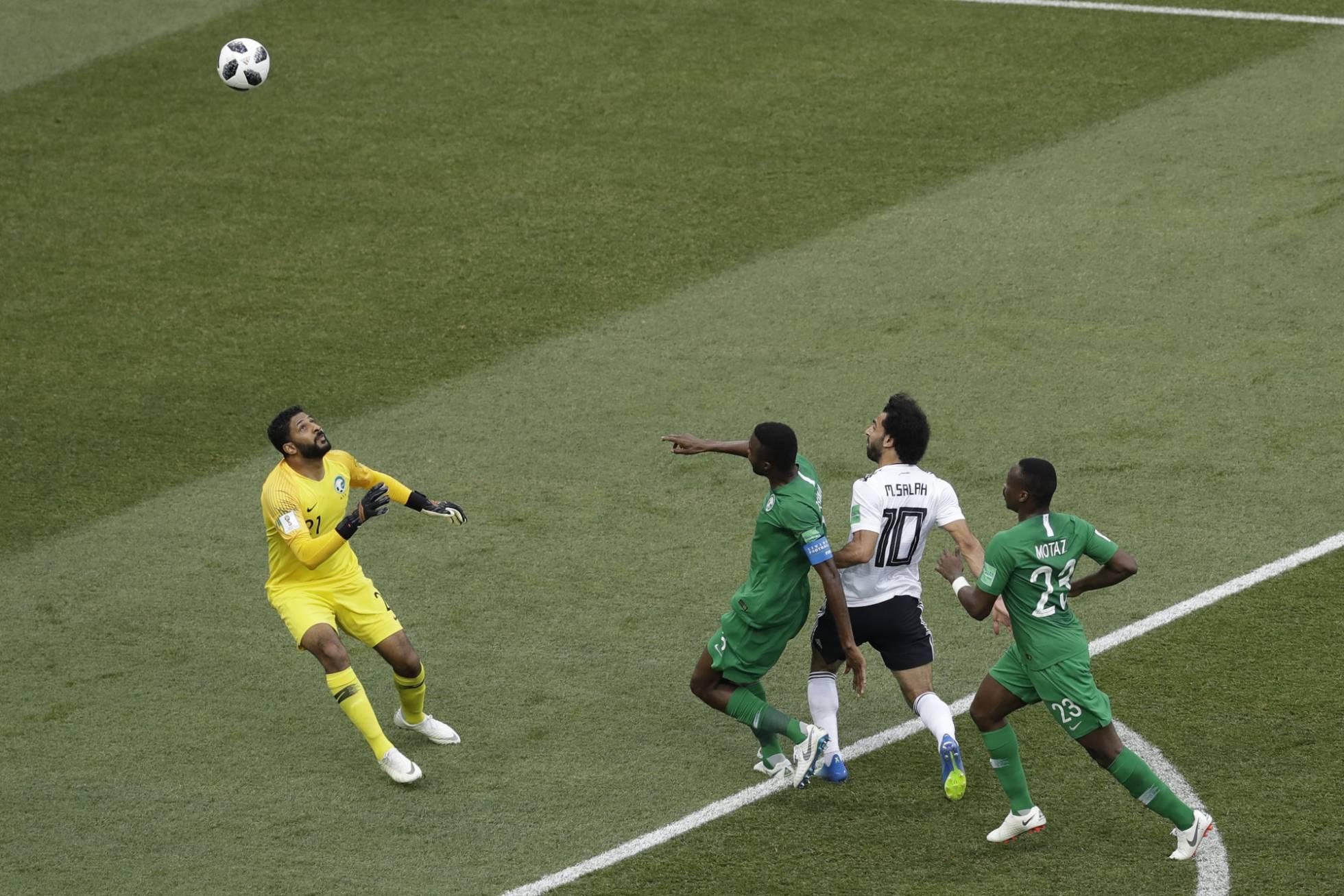 Mohamed Salah marca el gol de Egipto ante Arabia Saudí. THEMBA HADEBE AP