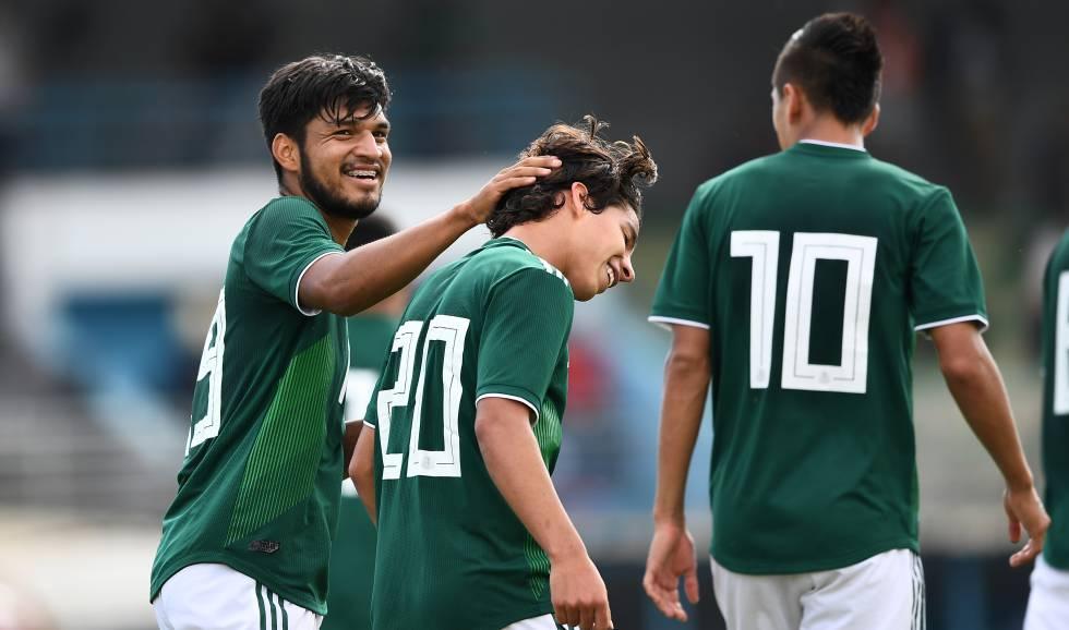 Aguirre, Lainez y Alvarado, durante un torneo en Toulon.