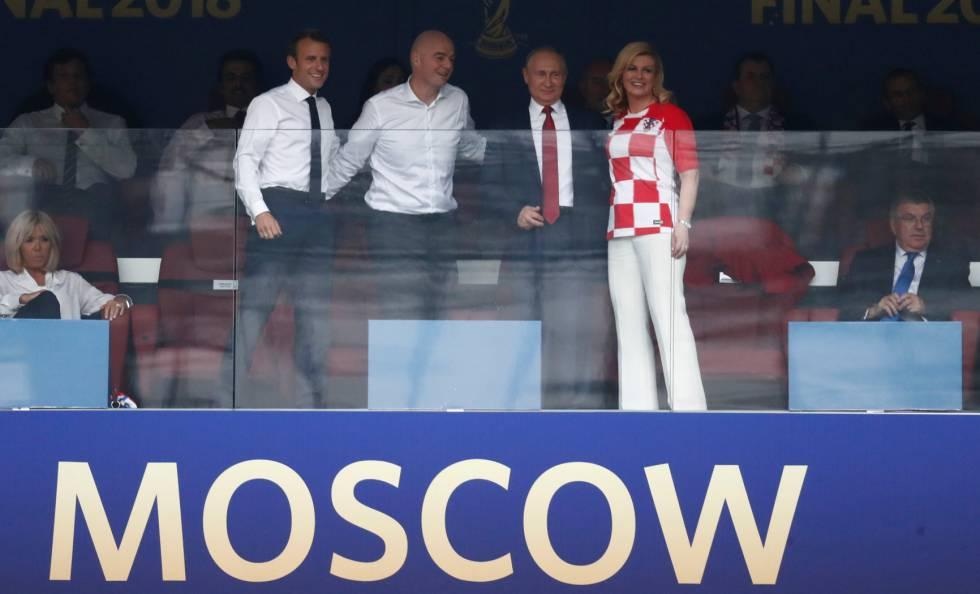 Macron, presidente de Francia, Infantino, presidente de la FIFA, Putin, presidente de Rusia, y Kolinda Grabar-Kitarovic, presidenta de Croacia, antes de la final.