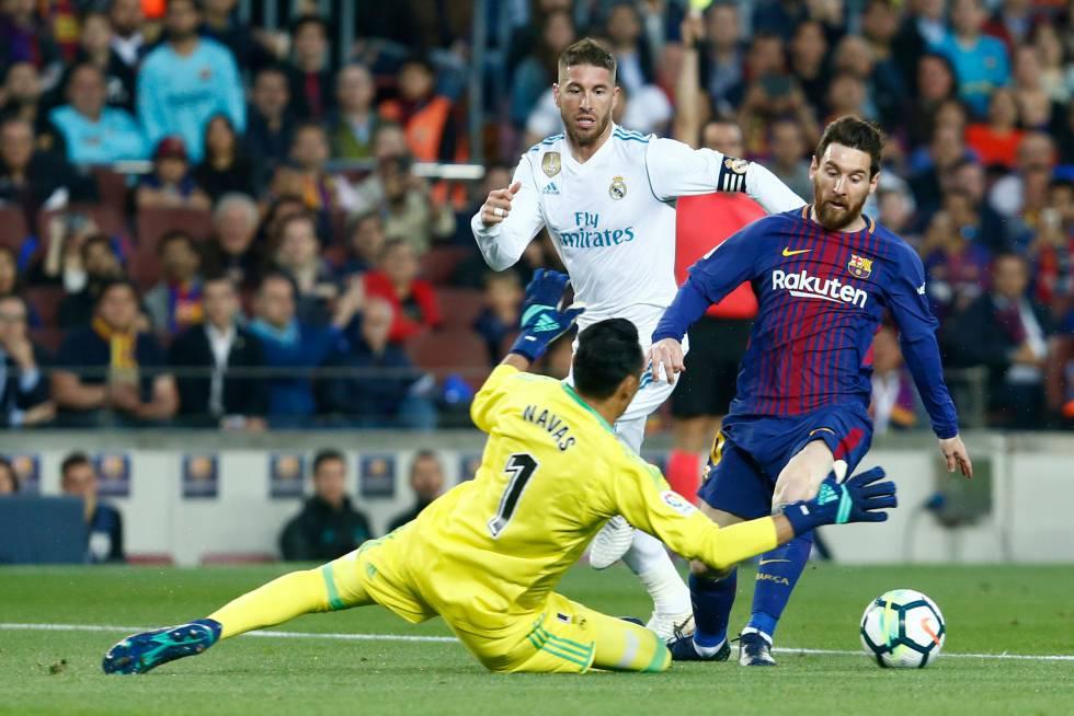 Messi enfrenta a Keylor Navas en un partido de la Liga 26c80c1271d1