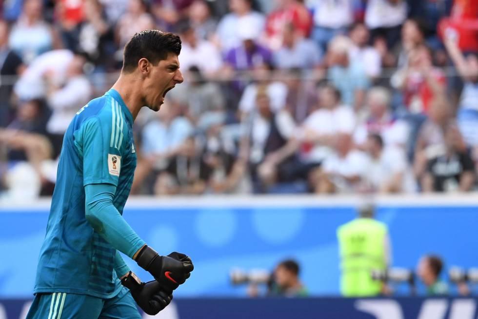 Thibaut Courtois, portero de Béglica, celebra el gol de Hazard contra Rusia, en el partido por la tercera plaza en el Mundial de Rusia.