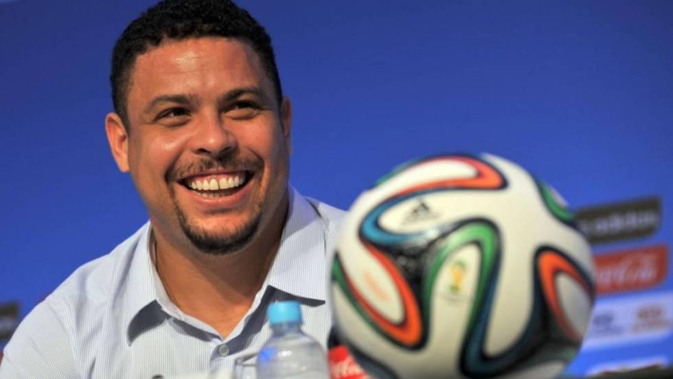 Ronaldo, en una conferencia de prensa en Bahía en 2013.