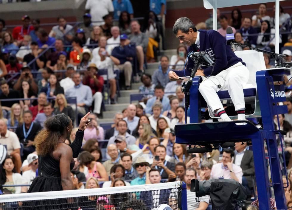 Serena Williams recrimina al árbitro Ramos en la final de Nueva York.
