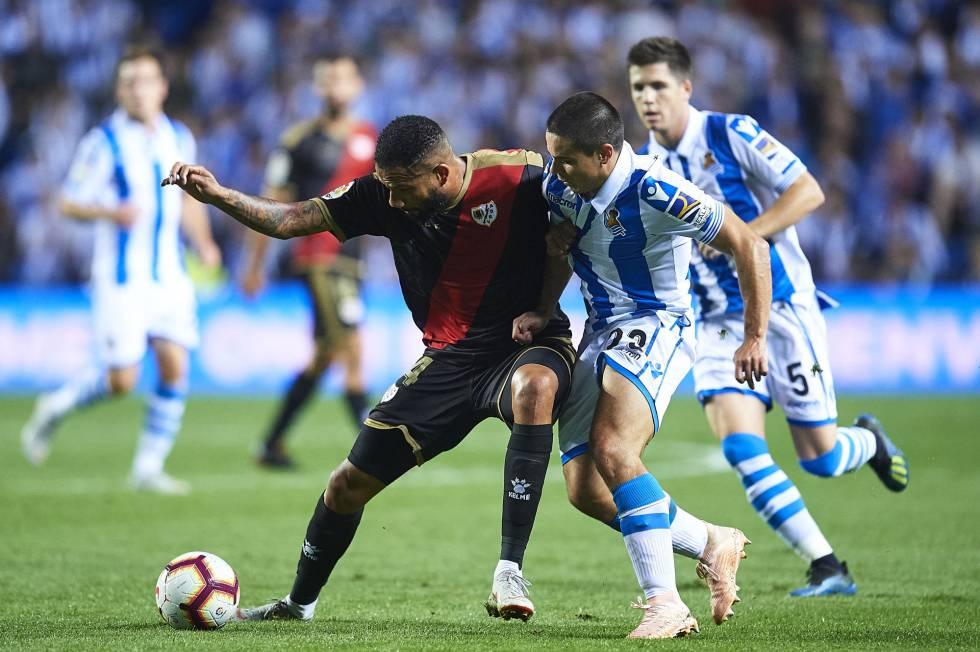 Real Sociedad - Rayo  Un nuevo fallo de Rulli incendia Anoeta ... e93eb6e582937