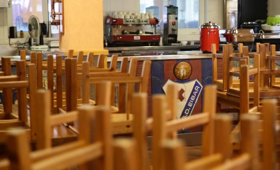 El txoko de Eibar, punto de reunión de todos los empleados del club.