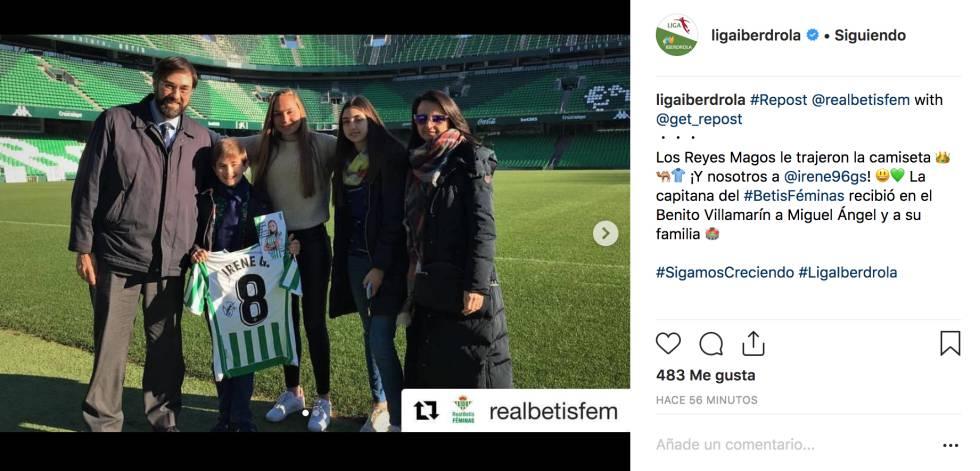 El posteo en Instagram de la Liga Iberdrola del encuentro entre Irene Guerrero, capitana del Real Betis Féminas, y Miguel Ángel, su pequeño fan.