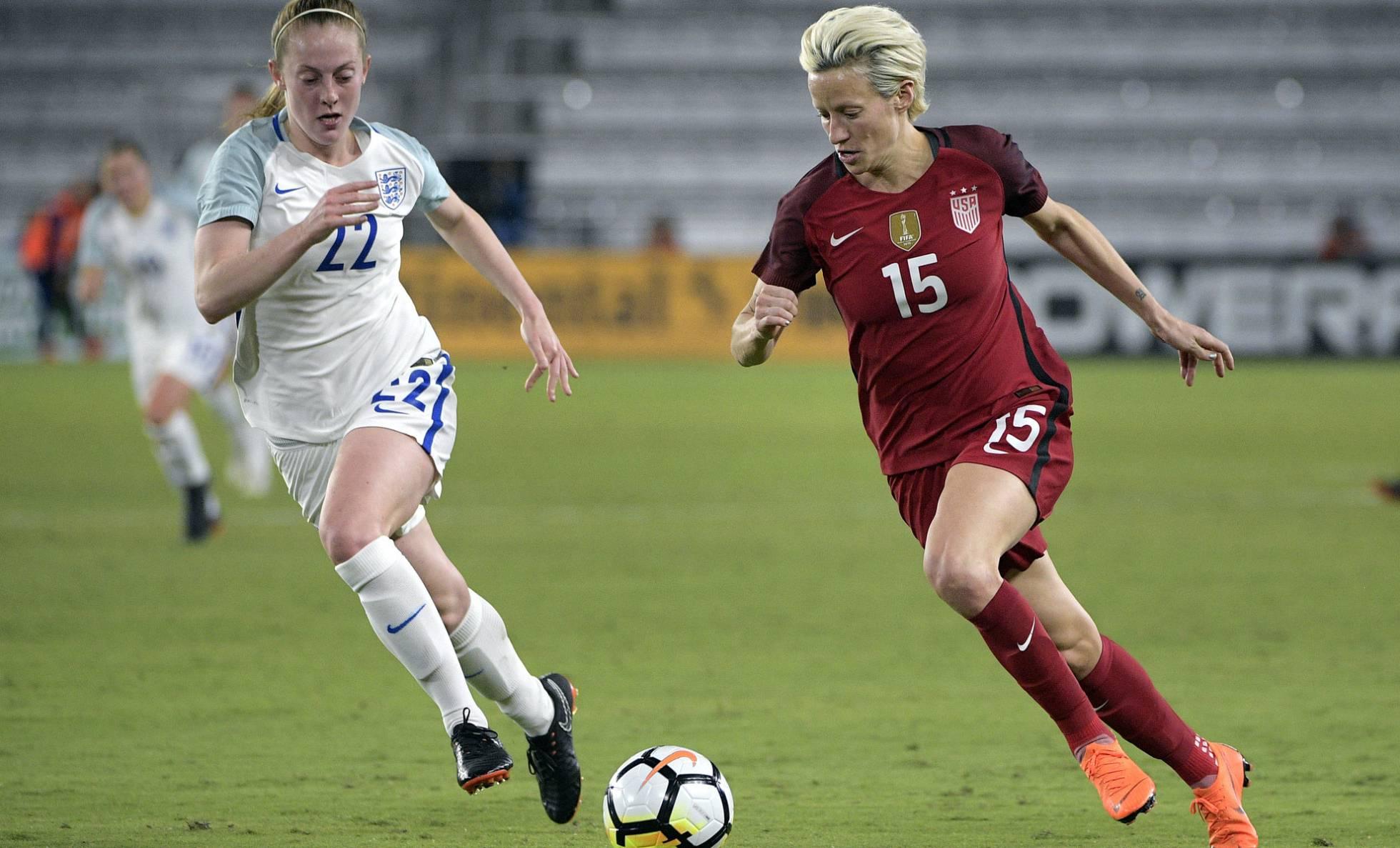 La selección de fútbol femenina de Estados Unidos denuncia a la federación por discriminación