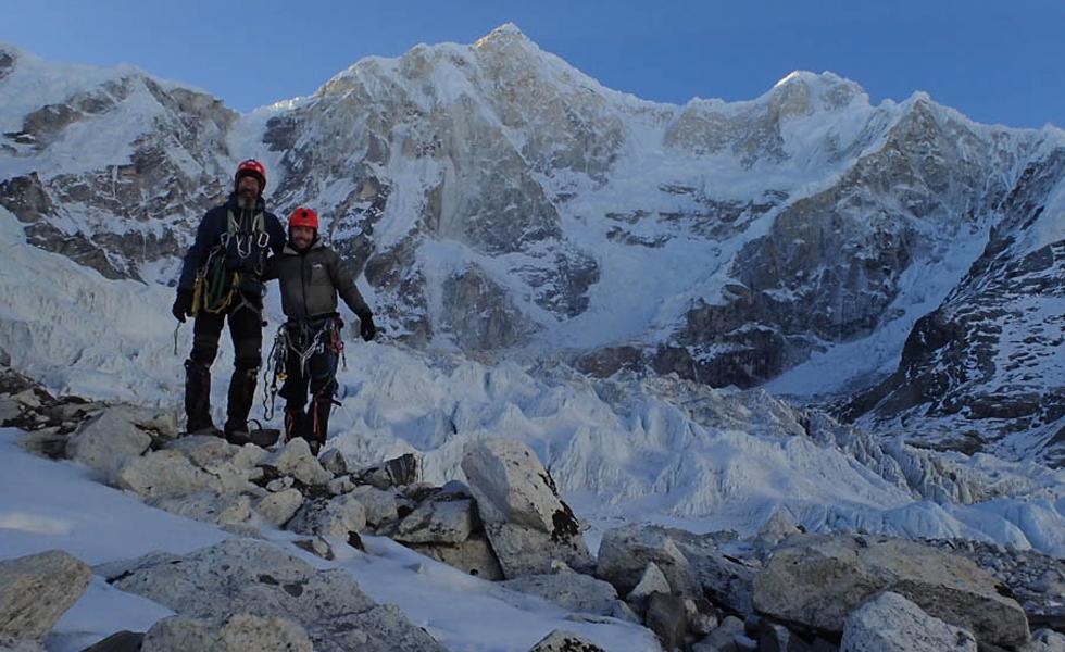 Sergey Nilov (i) y Dmitry Golovchenko, en la montaña Jannu.