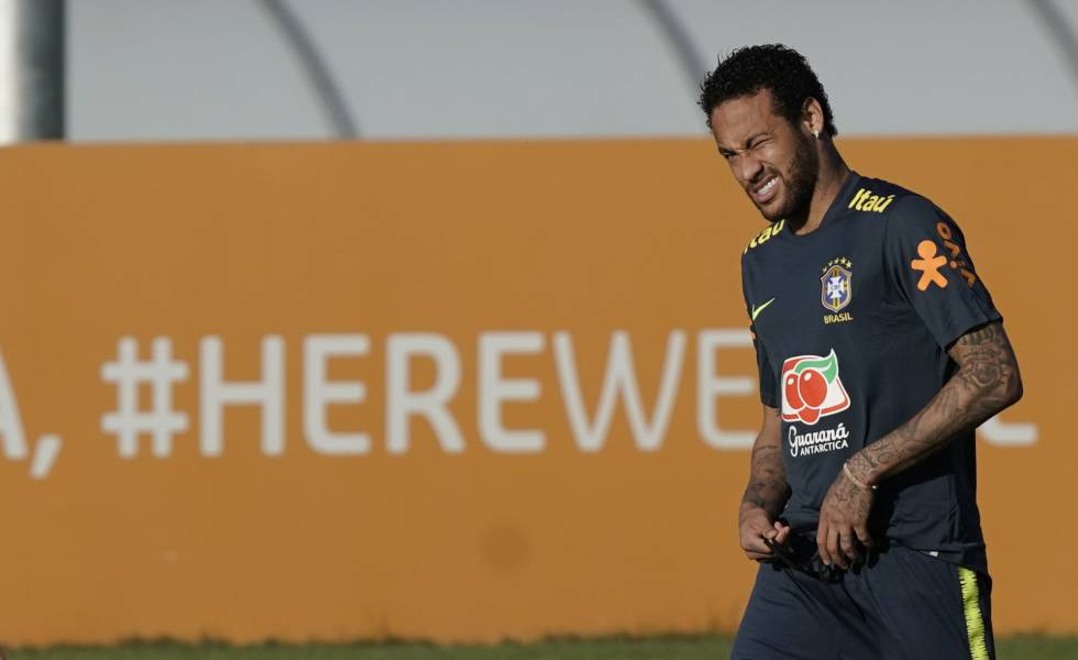 El futbolista brasileño Neymar en Teresopolis, Brasil.