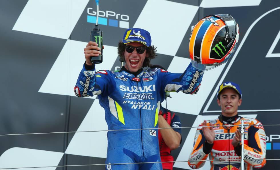 Rins birla a Márquez la victoria sobre la línea por 13 milésimas en el GP de Gran Bretaña